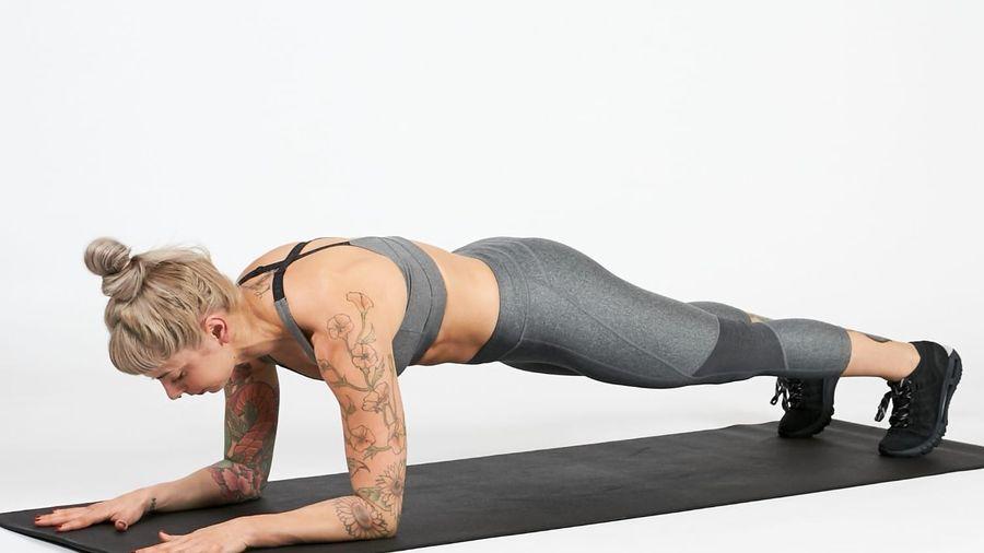 Nên giữ plank trong bao lâu để giảm mỡ bụng?