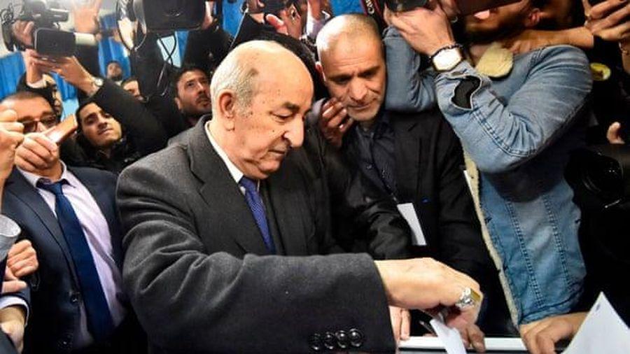 Algeria: Hàng nghìn người biểu tình phản đối kết quả bầu cử Tổng thống