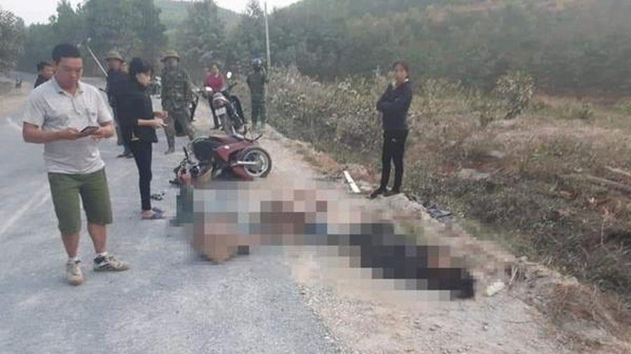 Va chạm với ô tô, 2 người chết, 1 người nguy kịch ở Phú Thọ