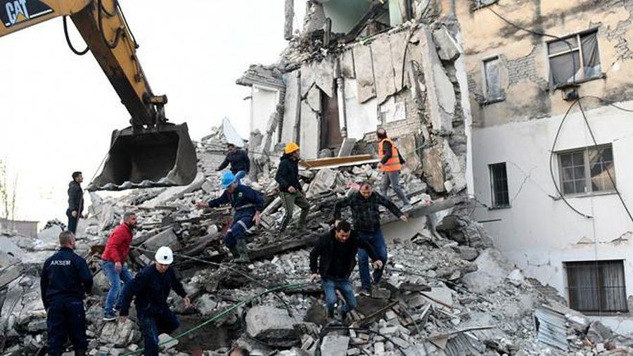 Hậu động đất, Albania ban hành một loạt lệnh bắt giữ