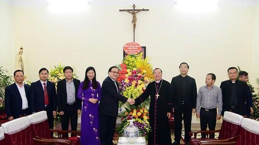 Lãnh đạo Hà Nội chúc mừng Giáng sinh, mong bà con giáo dân đồng hành cùng Thủ đô