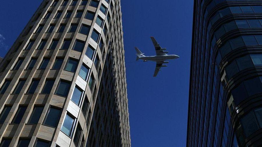 Nga: Máy bay Il-78 hạ cánh khẩn cấp tại Moscow do lỗi động cơ