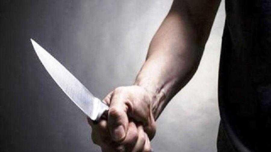 Cô giáo tiểu học bị chồng cũ chém gần đứt 2 bàn tay