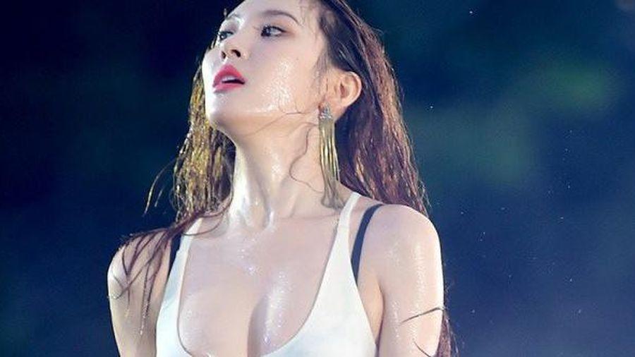 Nữ hoàng quyến rũ Kpop kiên quyết bác bỏ tin đồn nâng ngực