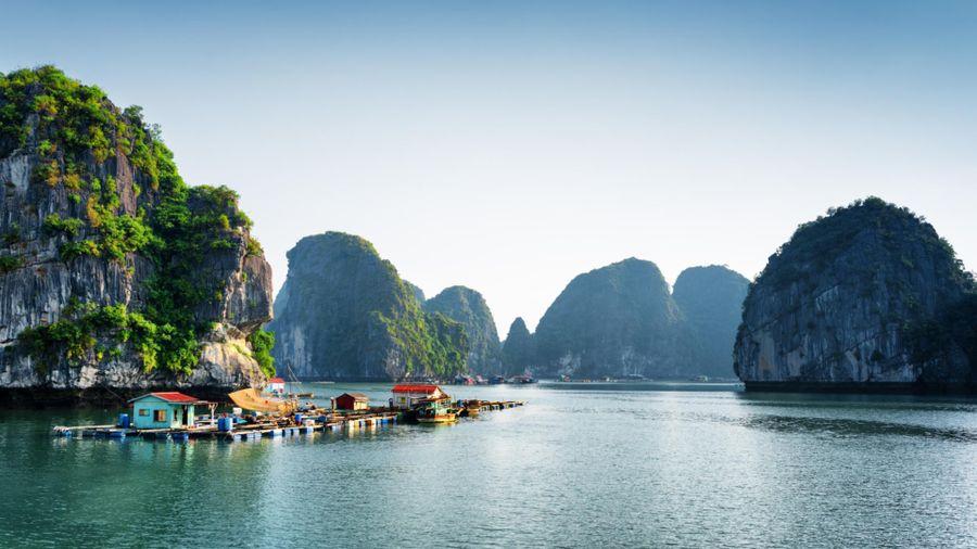 Quảng Ninh lấy dịch vụ làm trọng để phát triển du lịch