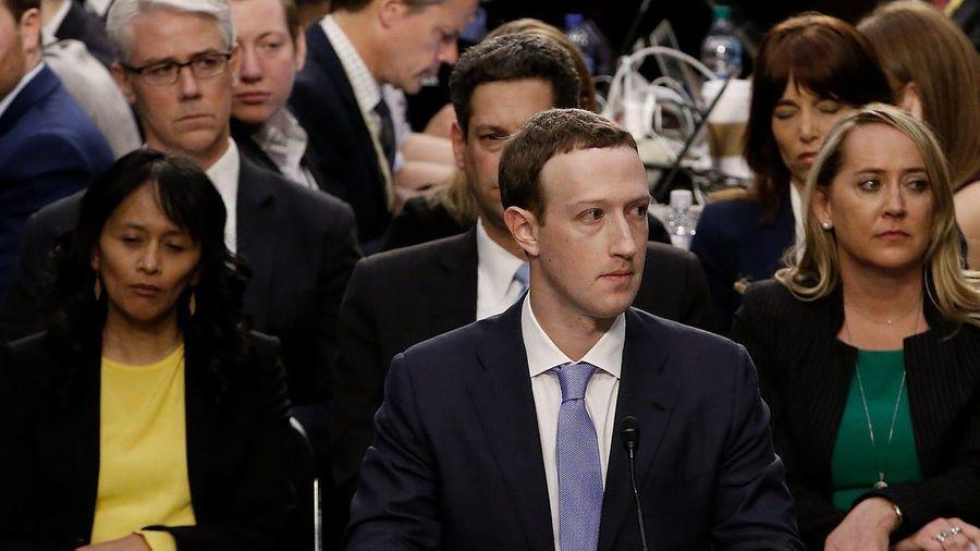 Một thập kỷ ngập trong scandal của Mark Zuckerberg