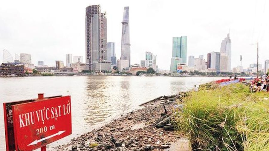 Khẩn trương phòng, chống sạt lở bờ sông Sài Gòn