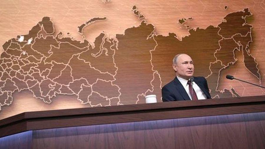 Ông Trump bị luận tội, ông Putin 'bênh chằm chặp'