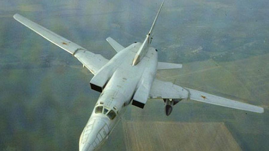 Máy bay chiến lược từ thời Liên Xô 'vuốt mặt' Iran, Nga chối biến!