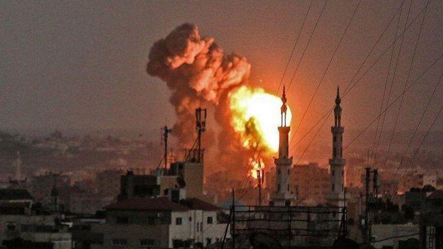 Israel không kích một nhà máy vũ khí của Hamas