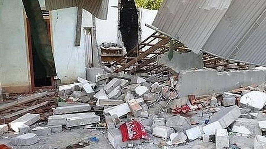 Vụ nổ làm sập nhà ở Nghệ An: Thêm con trai tử vong, con dâu phải cắt bỏ 2 chân