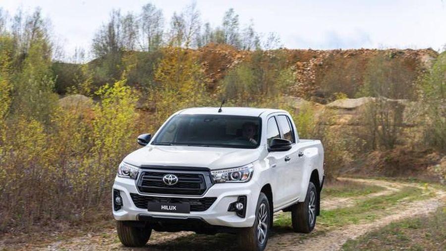 Toyota triệu hồi bán tải Hilux nhập khẩu Thái Lan