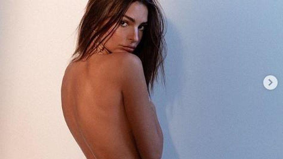 Ảnh bán nude khoe võng lưng tuyệt đẹp của siêu mẫu nội y Emily Ratajkowski
