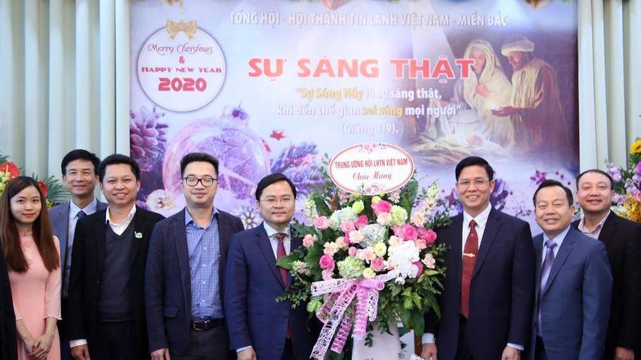 Chủ tịch T.Ư Hội LHTN Việt Nam chúc mừng mùa Giáng sinh