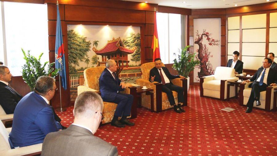 Chủ tịch HĐTV Petrovietnam Trần Sỹ Thanh tiếp Phó Chủ tịch điều hành Gazprom