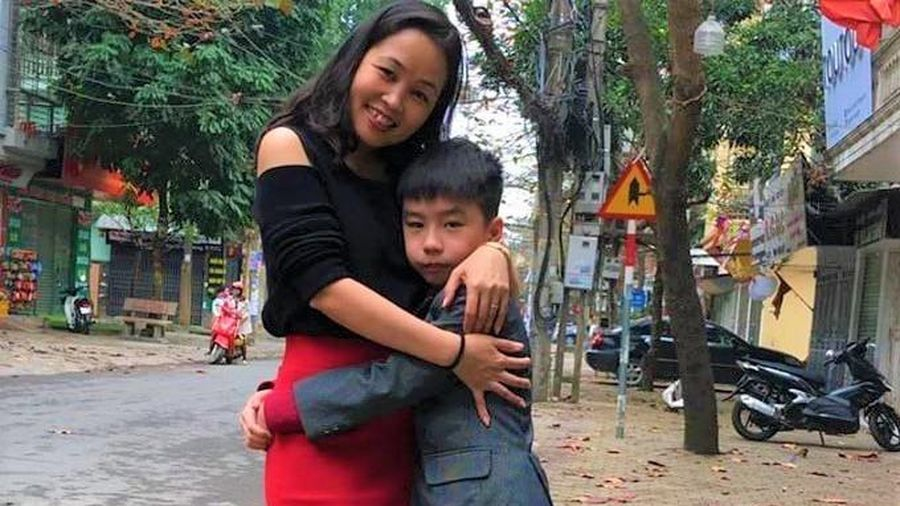 Người mẹ 'giải cứu' con trai bị bắt nạt đến mức nghĩ phải tự tử