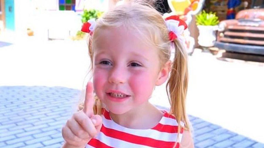 Cô bé 5 tuổi kiếm hơn 400 tỷ/năm, bằng người khác mơ cả đời