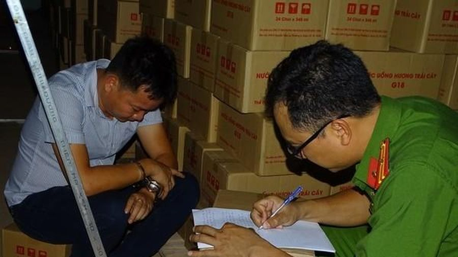 Bắt chủ cơ sở sản xuất nước ngọt giả ở trung tâm Biên Hòa
