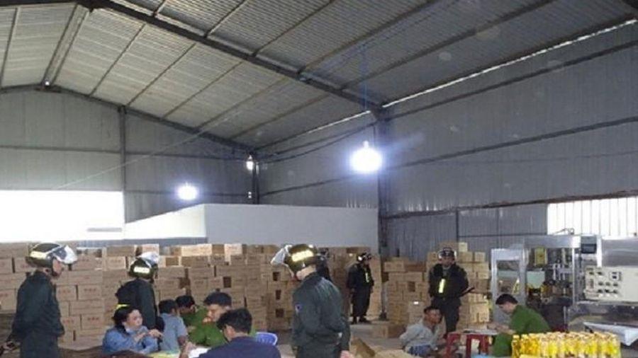 Bắt khẩn cấp chủ cơ sở làm giả nước tăng lực ở trung tâm TP Biên Hòa