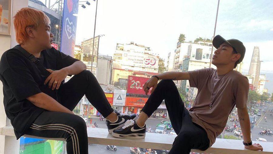 Khoe ảnh 'tậu' được đôi giày hot của G-Dragon, K-ICM lại bị chỉ trích vì hành động này
