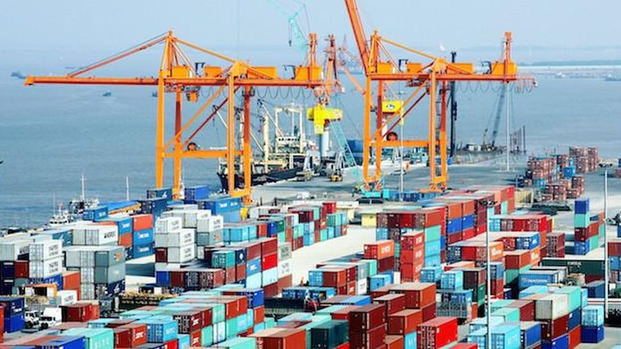 Cán cân thương mại thâm hụt nửa đầu tháng 12