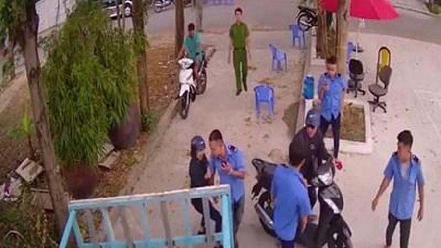 Công an điều tra nhóm người 'lạ' xăm mình, lập chốt trước cửa nhà dân