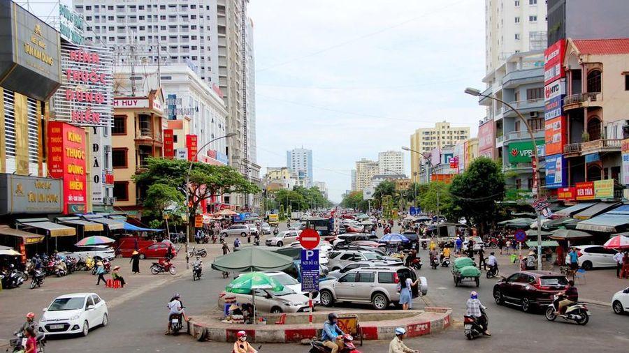 Hội đồng nhân dân thành phố Vinh thảo luận nhiều vấn đề dân sinh