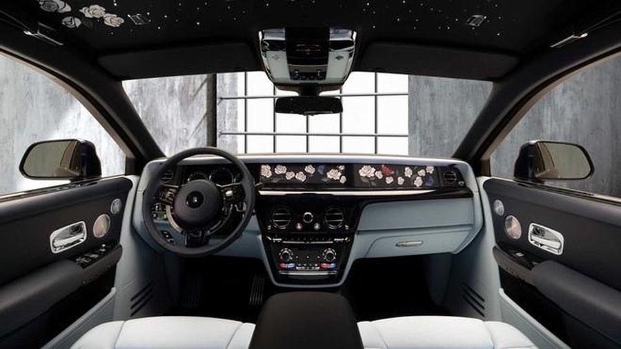 Phiên bản xe Rolls-Royce Phantom 'triệu đóa hồng'