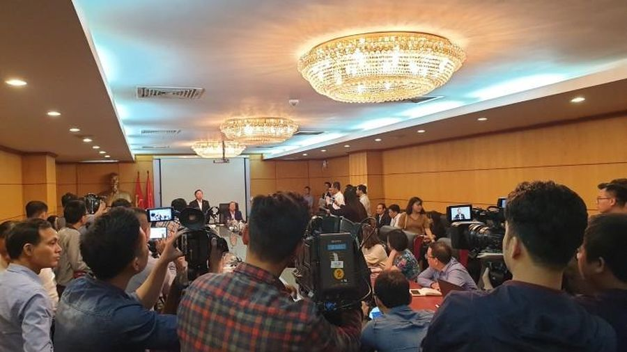 Cuộc họp tìm giải pháp cấp bách kiểm soát ô nhiễm môi trường không khí, nhà báo bị mời ra ngoài