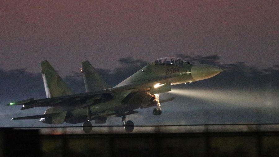 Trung đoàn Không quân 927 làm chủ khí tài, bảo vệ vùng trời