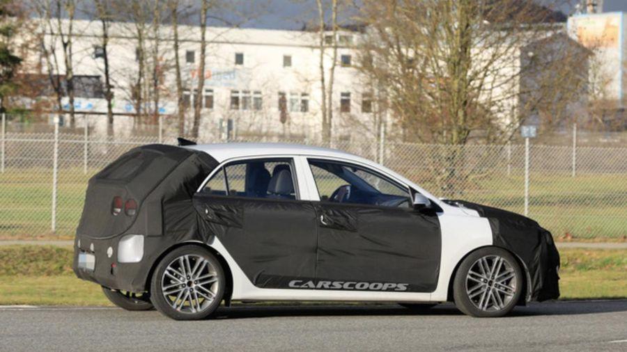 Kia Rio lộ diện phiên bản mới, quyết giành thị phần xe đô thị giá rẻ