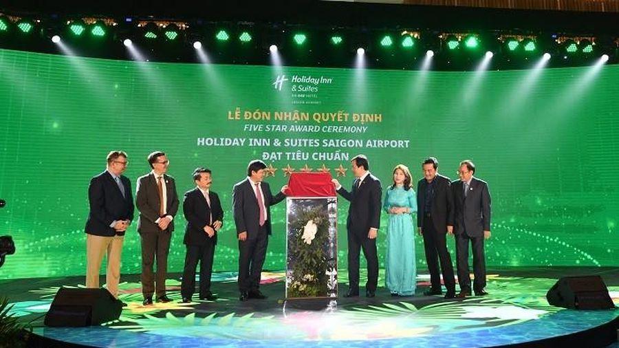 Khách sạn Holiday Inn & Suites Saigon Airport đầu tiên Việt Nam đạt chứng nhận 5 sao
