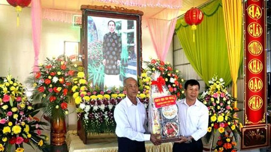 Thăm, chúc mừng Ban Trị sự Phật giáo Hòa Hảo các địa phương