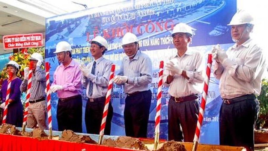 Khởi công xây dựng gói thầu kè sông Cần Thơ đoạn từ Nhà khách số 2 đến Vincom Xuân Khánh