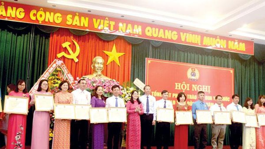 Lan tỏa phong trào thi đua trong công nhân, viên chức lao động