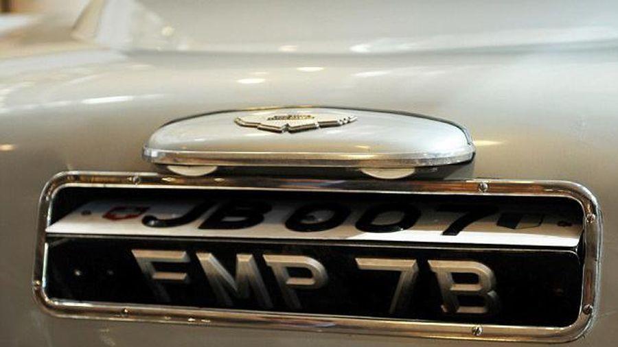 Biển số ô tô lật đảo kiểu Điệp viên 007 thường được các tài xế dùng vào mục đích gì?