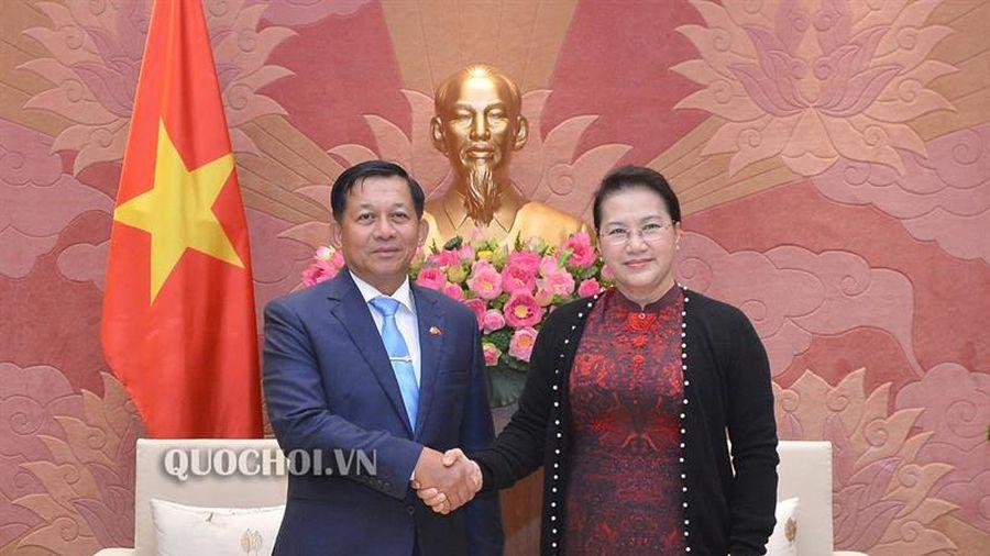 Chủ tịch Quốc hội Nguyễn Thị Kim Ngân tiếp Tổng Tư lệnh các Lực lượng vũ trang Myanmar