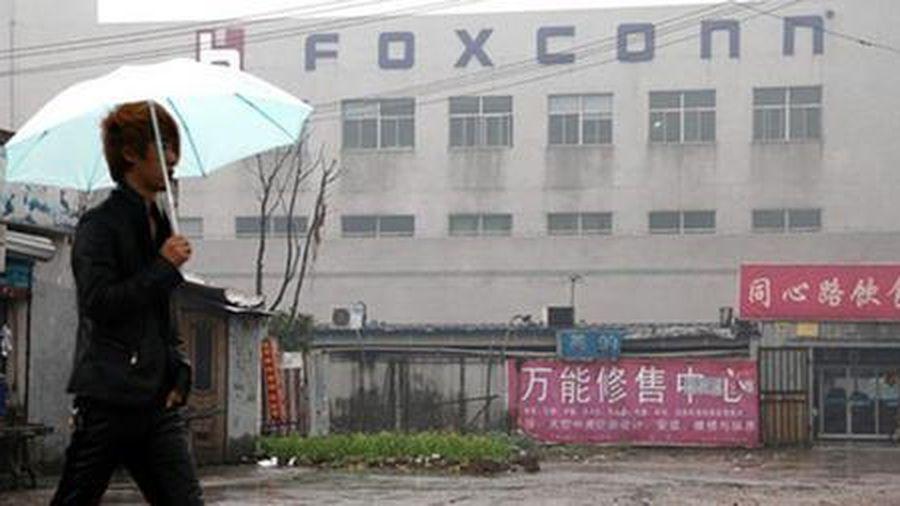 Nhân viên Foxconn làm giàu bằng cách đánh cắp linh kiện iPhone