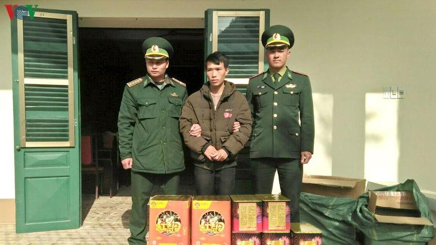 Bắt đối tượng sang Trung Quốc mua pháo mang về Việt Nam