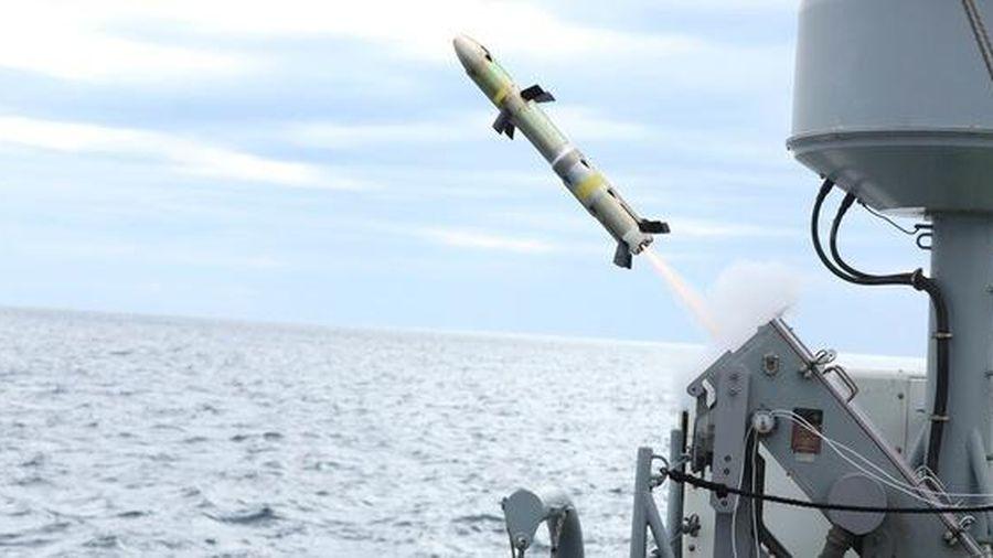 Mỹ 'động binh' ra sao tại loạt eo biển sát sườn Iran