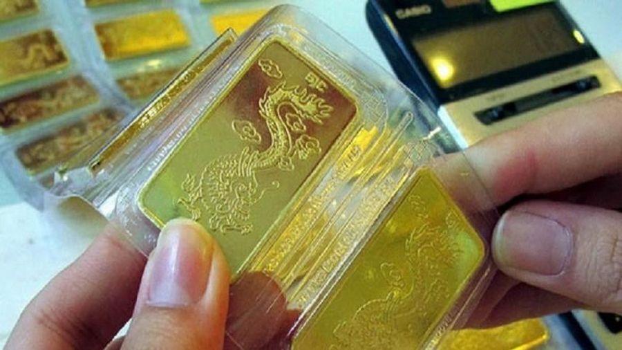 Giá vàng tiếp tục nổi sóng, vọt lên 42,53 triệu đồng/lượng