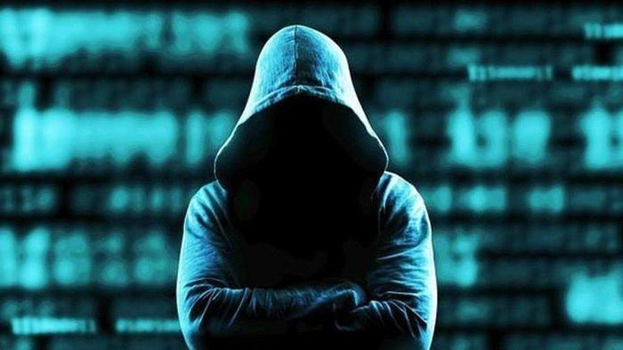 Kẻ phát tán clip riêng tư của Văn Mai Hương là ai?