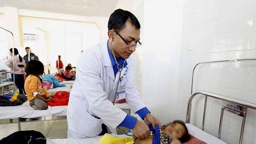 Gần 100 trẻ nhập viện nghi ngộ độc thực phẩm tại Lâm Đồng