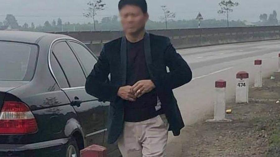 Vi phạm luật giao thông, người đi xe BMW trình giấy tờ báo chí giả để 'xin xỏ'