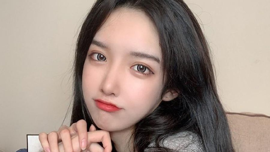 Lại thêm 1 hot girl Trung Quốc lộ mặt thật dọa CĐM hết hồn