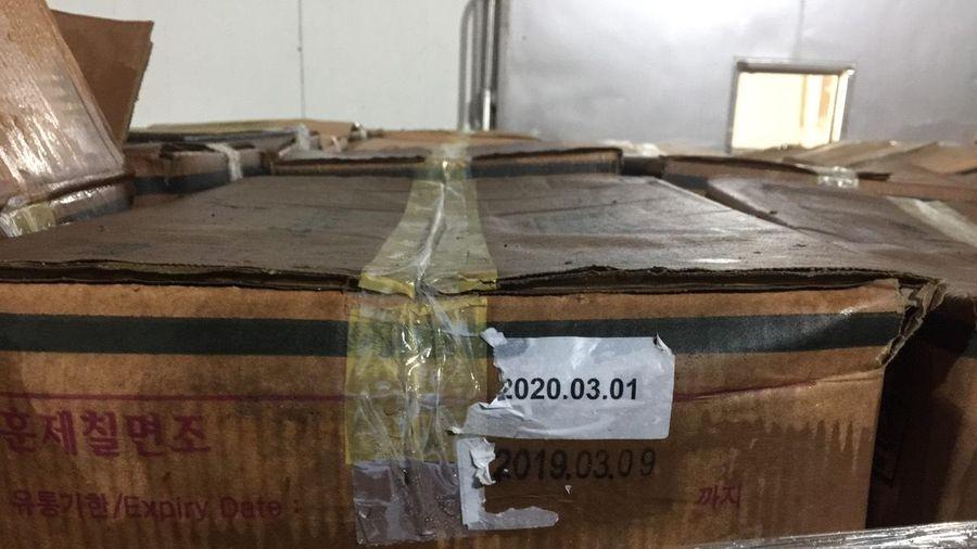 Triệt phá kho chứa 25 tấn đùi gà tây Hàn Quốc hết hạn sử dụng, chảy nước hôi thối tại KCN Quang Minh, Hà Nội