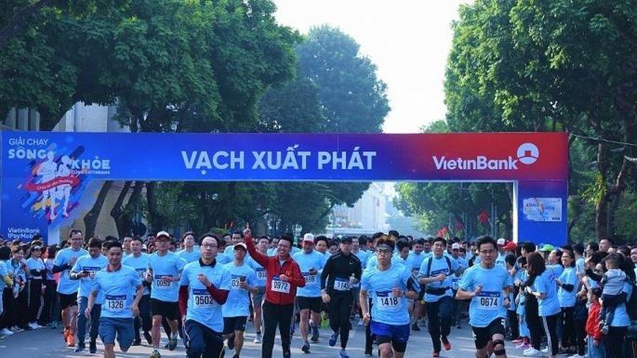 Giải chạy 'Sống khỏe cùng VietinBank': Lan tỏa và sẻ chia yêu thương