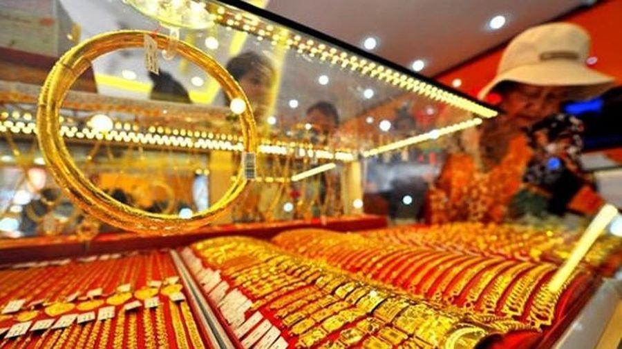 Đầu tuần, giá vàng tiếp tục lập đỉnh cao mới