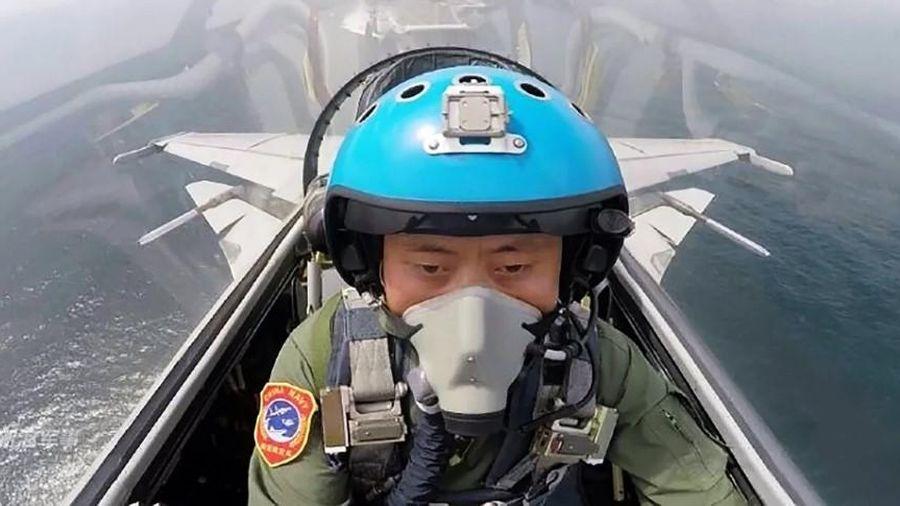 Tàu sân bay Trung Quốc thiếu trầm trọng phi công
