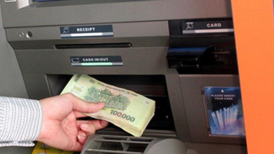 Không để ATM hết tiền dịp Tết